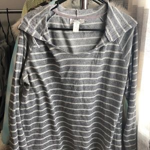 ⭐Woman's hooded sweater- size L